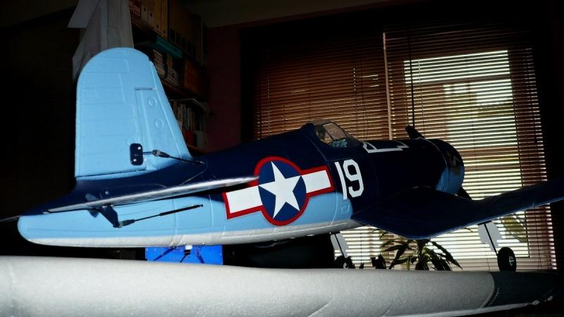 F4U Corsair 1118mm
