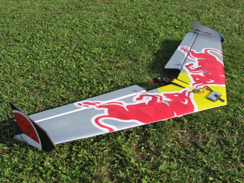 Hotwing EVO RedBull